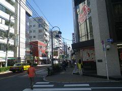 [写真]日暮里繊維街の街並み