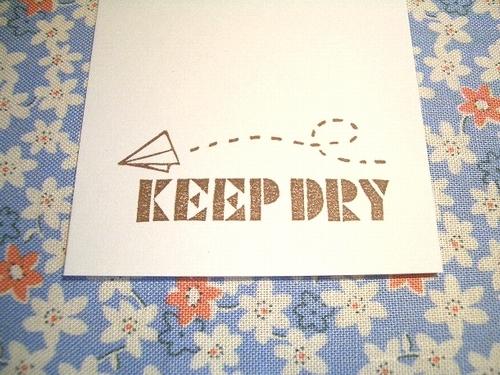 $ぽむはん-keepdry紙飛行機