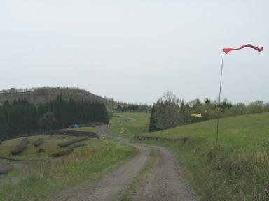 12.5旗の道