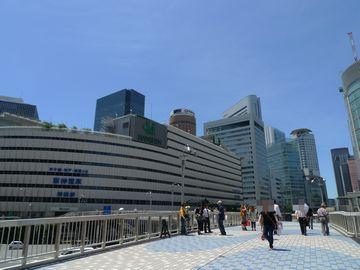 大阪駅前!