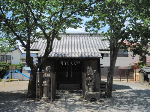 的場八幡神社正面