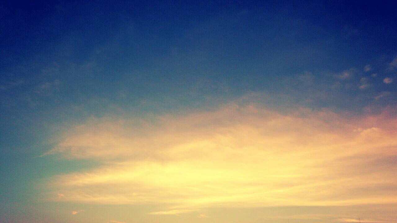 ミーママ撮影の夏が終わりを告げた空と太陽13
