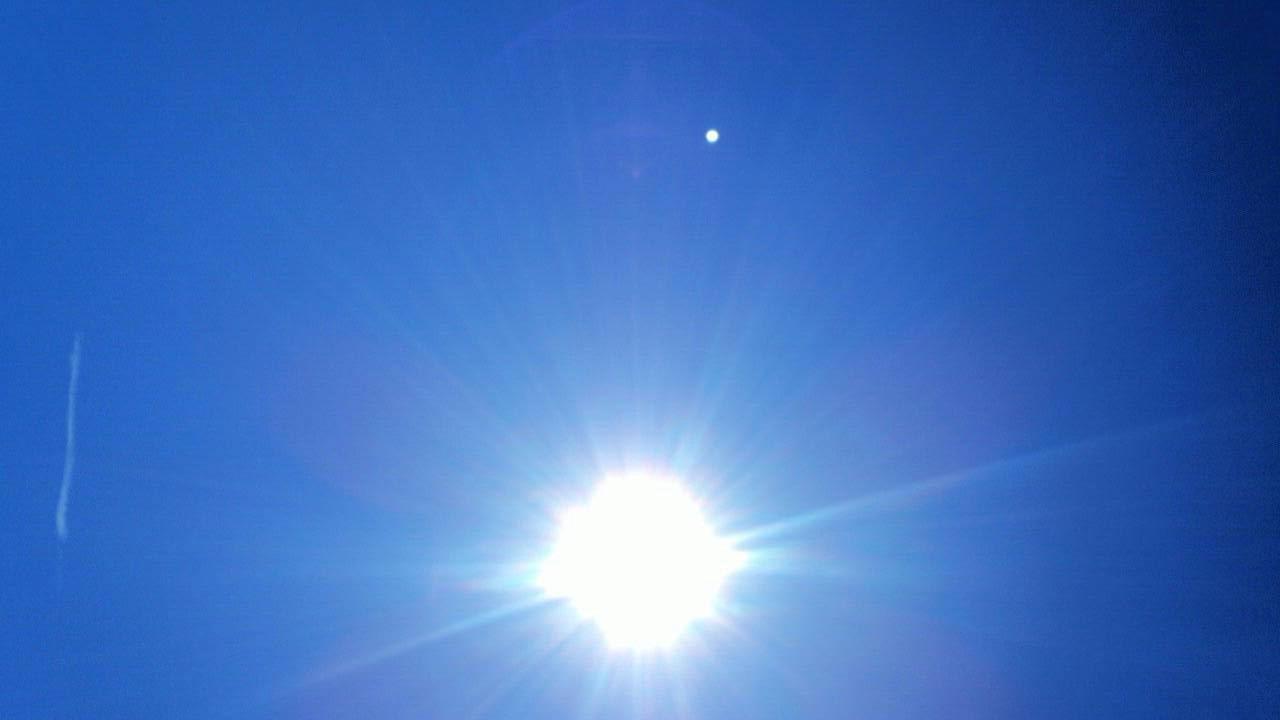 ミーママ撮影の夏が終わりを告げた空と太陽4