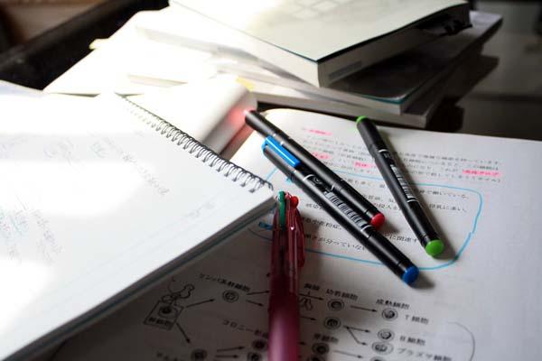 あ~、勉強しないと~やばいかも~。間に合わないかも~。