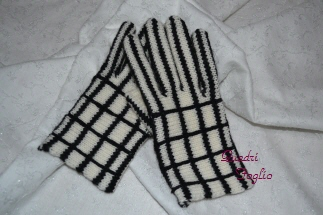 2011 A/W 手袋 右手もできました
