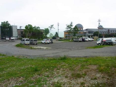 100802-03-parking.jpg