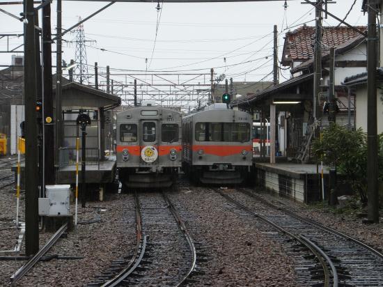 鶴来駅の車両
