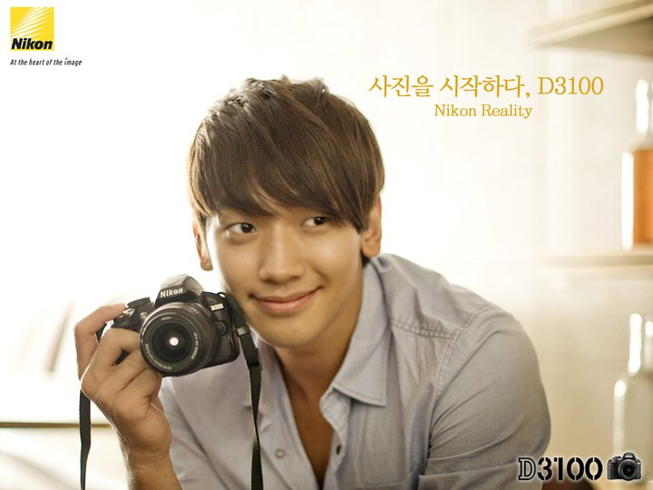 101102-Nikon-05.jpg