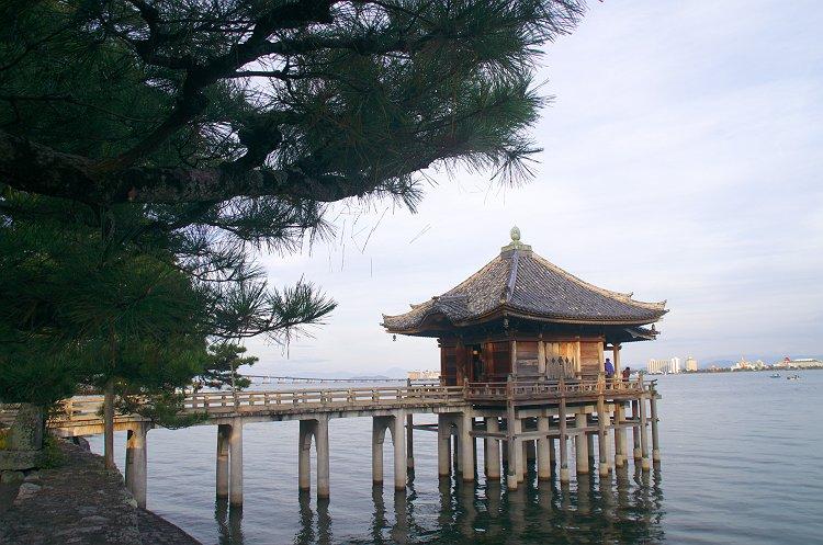 満月寺浮御堂