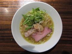 麺や 而今【壱七】 ~祝・1周年記念限定「究極特濃清湯 フェニックス」~-4