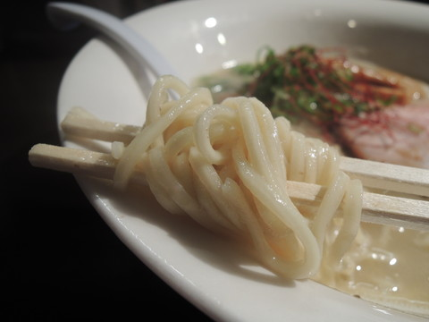 濃厚鶏そば(塩)の麺