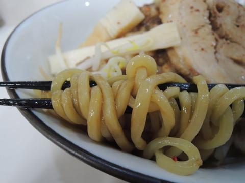 森次朗(麺200g)の麺