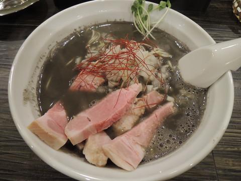 濃厚煮干しそば(730円)