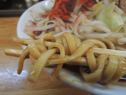 赤カラ味噌坦々麺の麺