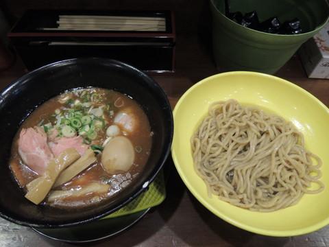 超こってり煮干豚骨醤油つけ麺(1404円)