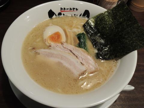 豚骨しょうゆ(680円)