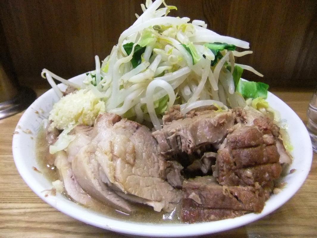 ラーメン二郎 赤羽店:小豚ラーメン(ヤサイニンニク) 12.02.17