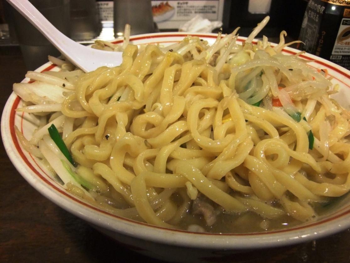 トナリ 丸の内店:麺 12.04.20