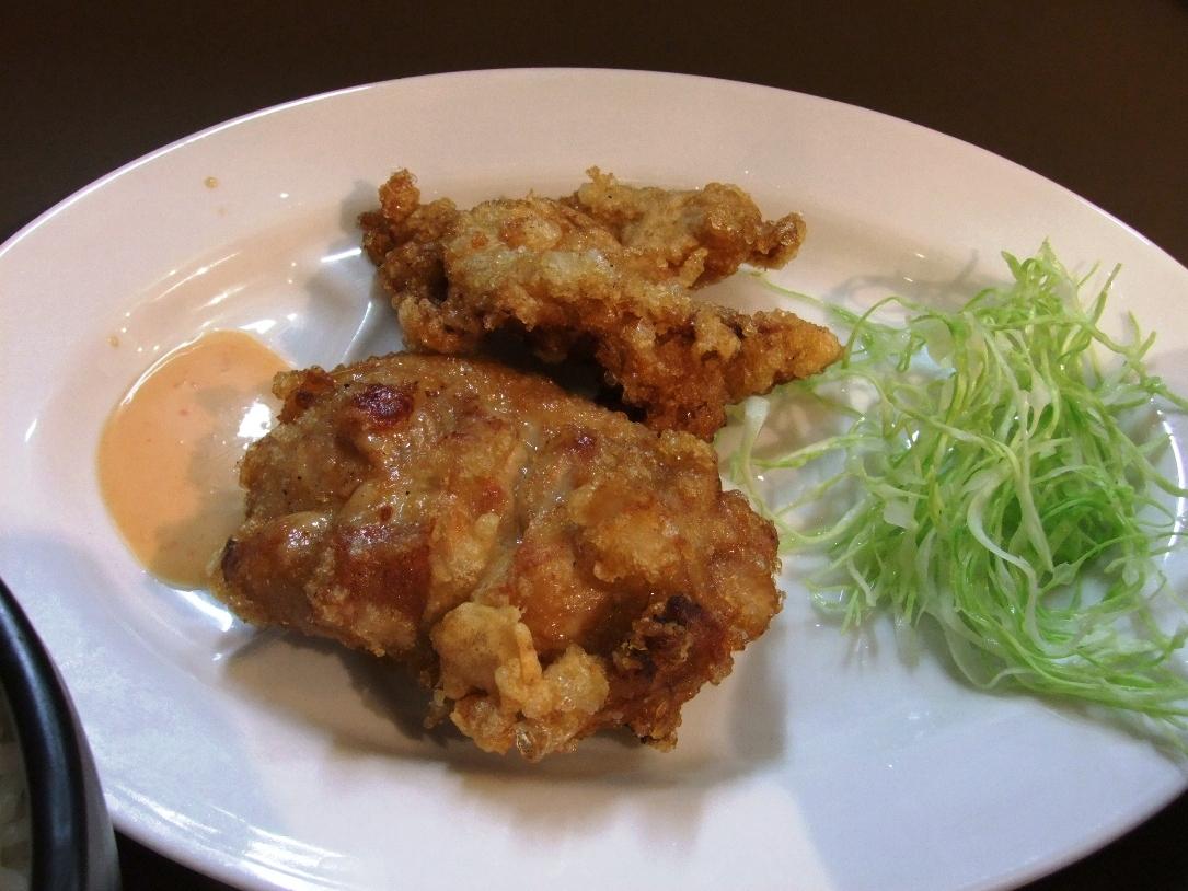 たんめん専門店 百菜:鶏唐揚 12.07.03