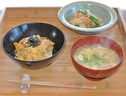 親子丼の昼食