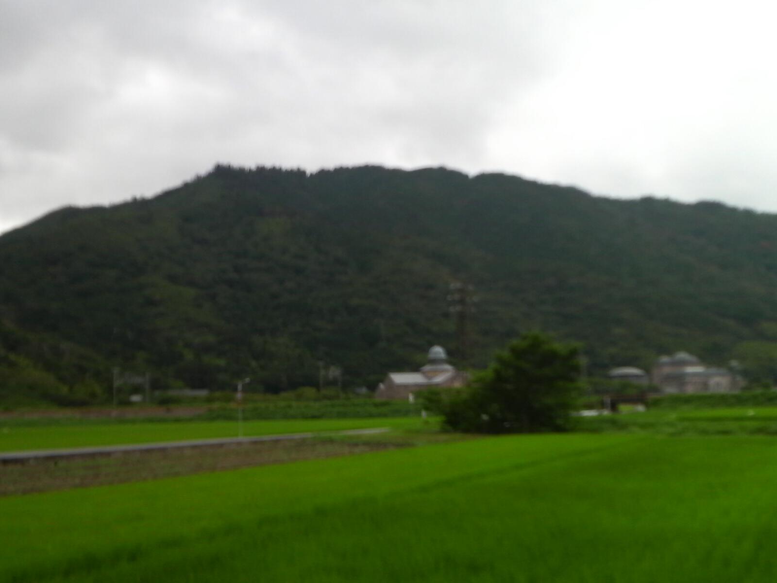 繖(きぬがさ)山