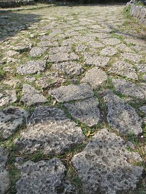 石畳もそのままで。
