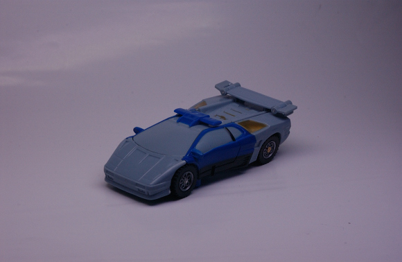 トランスフォームする日々-青のパトカー
