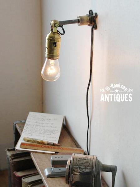 ■工業系角度調整LEVITON真鍮ソケット壁掛ライト  アンティーク照明