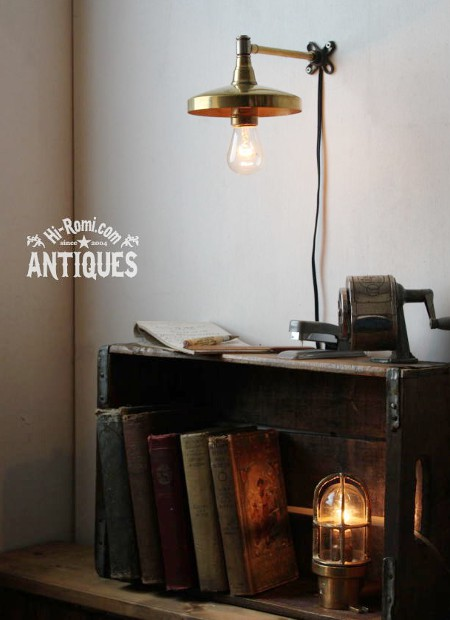 ■LEVITONソケット真鍮シェード工業系壁掛ライト  アンティーク照明