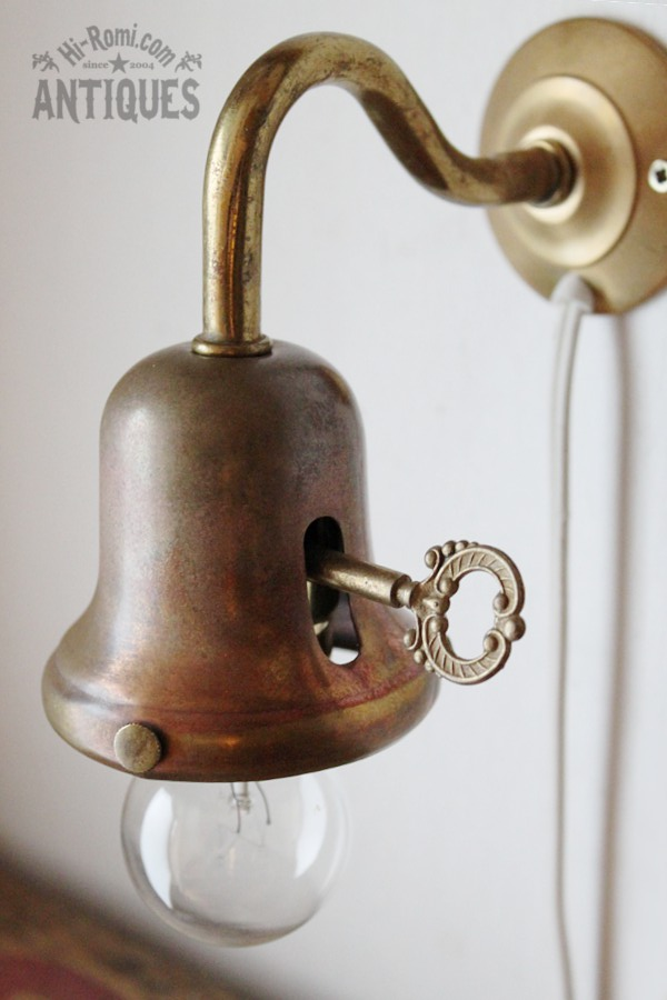 鍵付真鍮製シェードホルダーペンダントランプ/アンティークベル ウォールランプ  hi_romi_usa ブロカント レトロ ジャンク