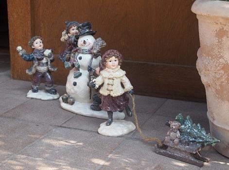 雪遊び人形