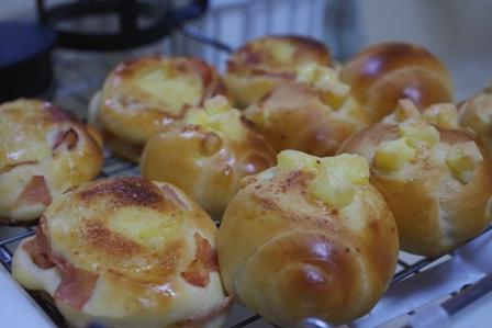 ハムパンチーズパン