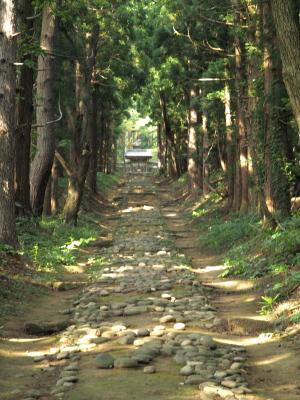 保科正之公墓所「奥の院」参道
