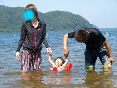 Aちゃんの湖水浴@中田浜(猪苗代湖)