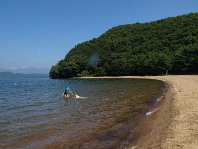 湖水浴@中田浜(猪苗代湖)