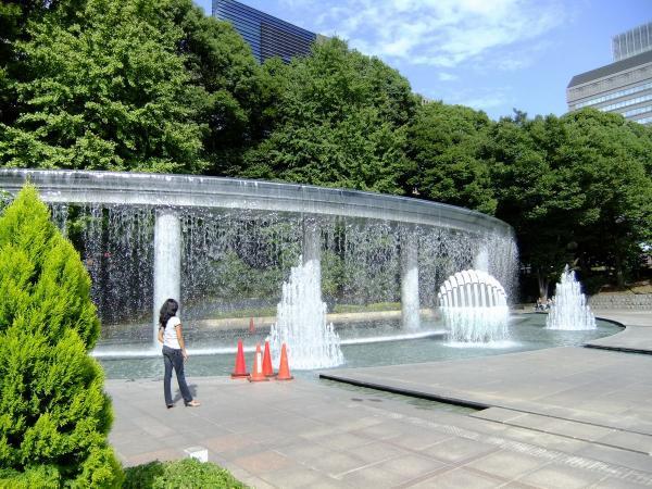 和田倉噴水公園4〔フリー写真〕