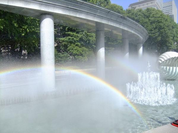 和田倉噴水公園5〔フリー写真〕