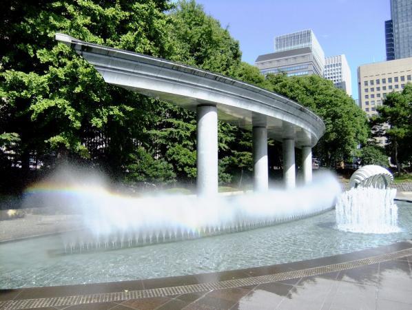 和田倉噴水公園6〔フリー写真〕