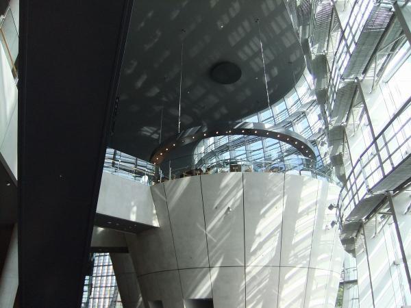 国立新美術館2〔フリー写真〕