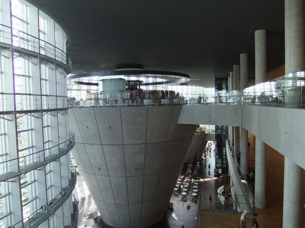 国立新美術館3〔フリー写真〕