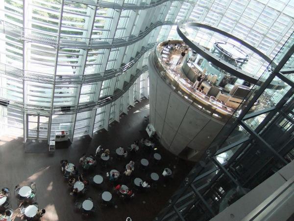 国立新美術館4〔フリー写真〕