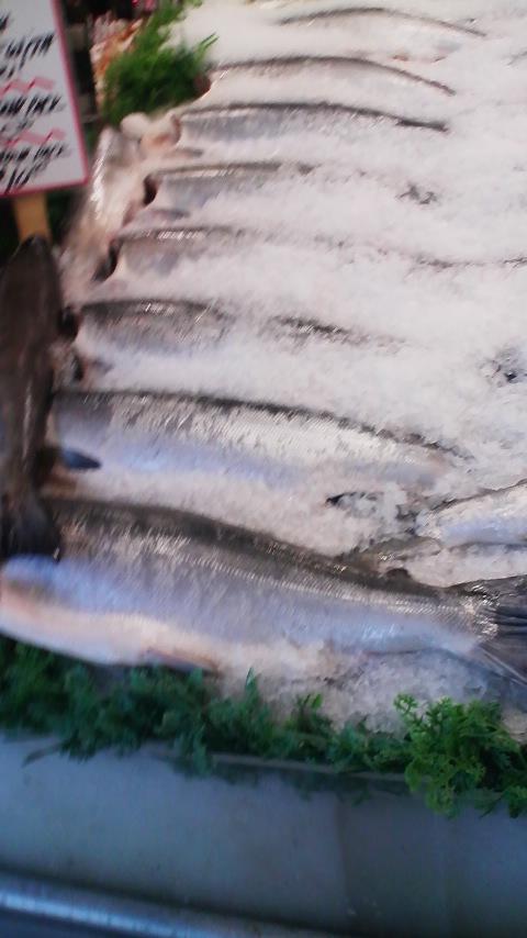 パイクプレイスマーケットの魚や