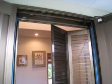 SAIのブログ-玄関折れ戸