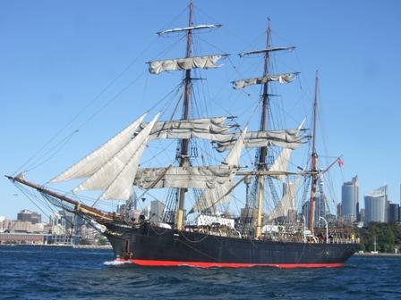 replica boat.2