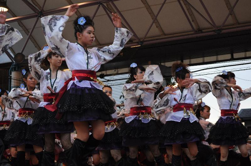 新居浜市 コンガ踊り大会 Danza rosa