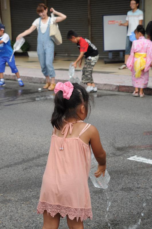 新居浜市 夏祭り 昭和通り 打ち水