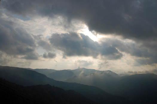 2008-1016-不気味な雲行き
