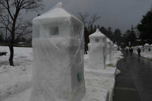 2009-0216-雪灯篭1