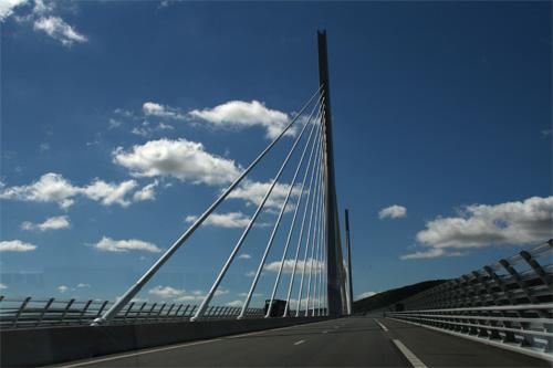 ミヨー大橋