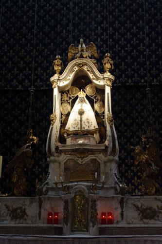 黒い聖母子像